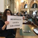 """O tanara senatoare din USR, injurata violent, golaneste, in Parlament de catre un deja celebru senator PSD: """"Infiorator nivelul pana la care au coborat PSD-istii"""""""