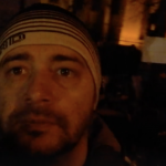 """""""Ne luptam sau ii lasam sa ne calareasca?"""". La Sibiu si Cluj protestatarii nu se lasa, sunt deja de 6 ore in frig in fata sediilor PSD: """"Ramanem 24 de ore din 24"""""""