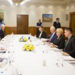 Dancila s-a intalnit cu premierul Israelului. Telecomanda lui Dragnea, prezenta foarte aproape de premier in timpul convorbirilor