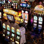 Iubiti (si) jucati la cazinou: Cele mai bune idei de cadouri de Ziua Indragostitilor pentru jucatori pasionati de jocurile de cazino (P)