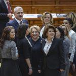 """Cronica anului 2018: """"Anul preacurviei. Smechereala lui Dragnea, tatismele Olgutei si badalismul au devenit o parte solida a traditiei nationale"""""""