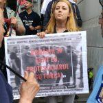 """Romania TV – Fake News TV"". Protest cu ""furci si topoare"" in fata CNA. Postul de propaganda al PSD se va alege cu o amenda consistenta"