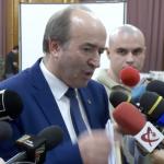 Tudorel Toader ranjeste satisfacut si ii transmite presedintelui Iohannis ca nu are nicio alta solutie. Noi declaratii la sosirea la CSM
