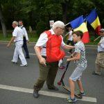 Salbaticie. Imagini de necrezut, un organizator PSD agreseaza un copil care mergea cu trotineta spre Piata Victoriei – Galerie Foto