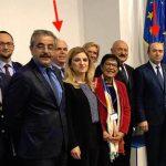 """""""Poza de familie"""". Ministrul Justitiei s-a fotografiat mandru alaturi de infractorul Severin Adrian, care a facut inchisoare pentru spaga"""