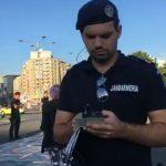Protestatarii, pregatiti de OUG-ul borfasilor. Au dorit sa instaleze un banner urias in fata Guvernului, insa au intervenit jandarmii – Video