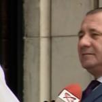 """""""Priviti-l pe seful Politiei Romane"""". Ioan Buda este incapabil sa explice de ce au confiscat placutele anti-PSD – Video"""