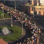 "Si Ardealul este in strada: ""Jos, jos, jos Guvernul mafiot"". Coloane uriase de manifestanti in Sibiu, Cluj-Napoca si Brasov – Video"