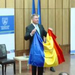 """Iohannis, atacat in presa din Ungaria pentru ca este """"prea roman"""": """"Vrea sa fie mai roman chiar si decat romanii insisi"""""""