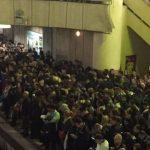 Gaze lacrimogene intr-o garnitura de metrou din Bucuresti. Un barbat a fugit dupa ce a pulverizat continutul unui spray iritant-lacrimogen