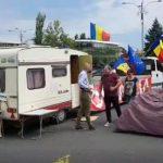 Dupa ce l-a injurat in direct la TV, PSD-istul Badulescu i-a ridicat lui Cristian Dide rulota din Piata Victoriei