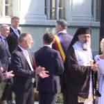 Iohannis, intampinat cu ropote de aplauze la Alba-Iulia. Ascuns la Scrovistea, Dragnea sustine ca Iohannis nu mai are nicio sansa sa ramana presedinte – Video