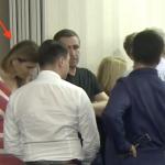 Consiliera lui Dancila a venit sa ia lumina de la Dragnea. Prezenta slugarnica la conferinta de presa a sefului PSD