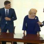 Dancila a comis-o si in Spania, in prezenta premierului Sanchez. Momentul a fost cenzurat de Guvernul Romaniei – Video