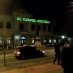 Protestatarii #Rezist s-au mutat la Iasi. Proiectii cu laserul pe fatada Universitatii lui Tudorel Toader – Video