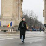 Atac la mana dreapta a lui Iohannis: I-au spart casa cand se afla la parada