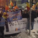 """""""De unde au avut protestatarii bani de bannere?"""". Raspuns pentru disperatii din propaganda PSD"""