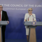 Juncker, politicos, i-a facut pe plac lui Dancila la Guvern. A vorbit numai despre Schengen si MCV, nimic despre amnistie si gratiere