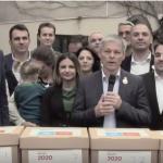 """""""Scapam Romania de hotie si de penali"""". Alianta USR PLUS depune peste 500.000 de semnaturi la BEC pentru inscrierea la alegerile europarlamentare"""