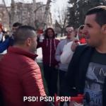 """Imagine definitorie a Regimului Dragnea. Interlopi PSD cu vuvuzele agreseaza pensionari care striga """"Hotilor, penalilor!"""" – Video"""