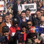 Pesedisti din Oltenia, adusi la mitingul PSD din Brasov. Acestia s-au manifestat agresiv fata de protestatarii brasoveni – Video