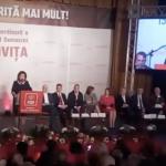 Ca in dictatura. Discursurile lui Dragnea si ale liderilor PSD sunt transmise prin megafoane in tot centrul orasului Targoviste – Video