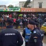 """""""Dragnea la Jilava!"""". Zeci de protestatari l-au asteptat pe Liviu Dragnea la Botosani, jandarmii il pazesc pe seful PSD – Video"""