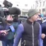 """Craiovean curajos, luat pe sus de jandarmi de la mitingul PSD: """"Nu vedeti ca nu e nimic despre voi? Este numai despre ei si pentru hotiile lor"""""""