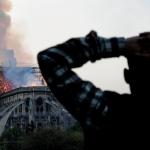 """Cocosatul e in lacrimi"". Presa pro-PSD, cele mai stupide titluri despre incendiul de la Notre Dame"