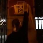 """Un WC cu acest mesaj a fost montat la intrarea in sediul central al PSD: """"Indemnam oamenii sa iasa la vot"""" – Video"""