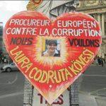 """""""Vestele galbene"""" din Franta cer ca Laura Codruta Kovesi sa fie numita Procuror European: """"Avem nevoie de ea impotriva coruptiei"""""""