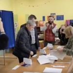 "Dacian Ciolos, primul lider politic care a votat: ""Iata ca a venit ziua in care putem sa ne trasmitem mesajul clar, ferm si mult mai eficient"" – Video"