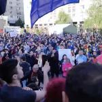 Revolutie la Iasi. Peste 5.000 de manifestanti anti-PSD au ocupat Piata Unirii dupa fuga pesedistilor – Video