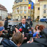 "Klaus Iohannis, umor de ardelean. Dancila poate sa vina la Sibiu, ""este concert la liber in Piata Mare"""