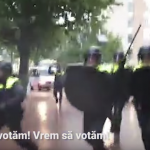 """Ambasadoarea din Olanda sfideaza romanii loviti de politisti pentru ca doreau sa voteze: """"Sa depasim momentele critice"""""""