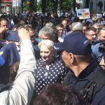 """""""Hotilor!"""". Dancila, fugarita de protestatari si de la Festivalul Pastoresc """"Urcatul Oilor la Munte"""""""