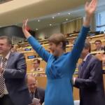 Iata cum a reactionat presedinta Estoniei dupa victoria de la ONU. Nulitatea de Melescanu dadea din cap ca o jucarie stricata  – Video