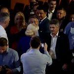 Dancila, pazita in mijlocul delegatilor PSD de gorila lui Dragnea. Individul a agresat un simplu cetatean in campanie