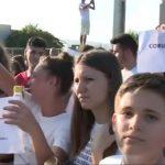 """Liderii PSD sunt galbeni. Protest amplu in Caracal, tinerii stiu cine este de vina: """"Coruptia ucide!"""""""