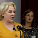 """Dancila, scoasa cu forta de la guvernare de o grupare din PSD. Tariceanu anunta ca """"in PSD se discuta serios"""" iesirea de la guvernare"""