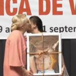 """Delir la varful PSD. Tipete la tribuna: """"Viorica Dancila este mama pentru copiii Romaniei, mama intre mame"""" – Video"""