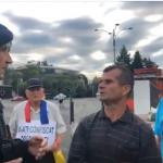 """Piata Victoriei. Au venit deja primii protestatari, Jandarmeria incearca sa-i alunge: """"Eu am venit de la Piatra Neamt si ma doare sufletul pentru tara mea"""""""