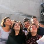 """Profesoara Carmen Iohannis, asaltata de elevi in curtea scolii: """"Mi-a fost foarte dor de ei. Uite ce frumosi sunt"""""""