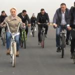 "Alta trasnaie. Dancila a mers cu bicicleta pe autostrada: ""Am testat autostrada"" – Video"