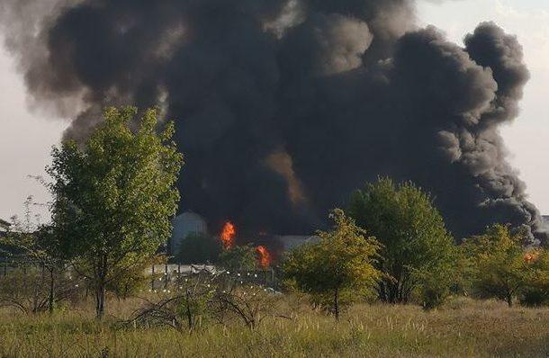 FOTO/ Incendiu violent la un depozit din Bragadiru, în ...  |Incendiu Bragadiru